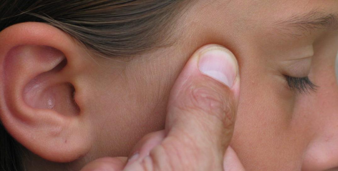 Tui Na Massage am Auge