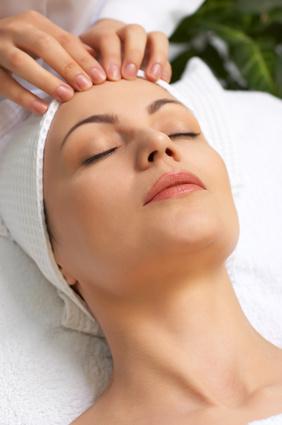 Massage bei Menstruationsbeschwerden